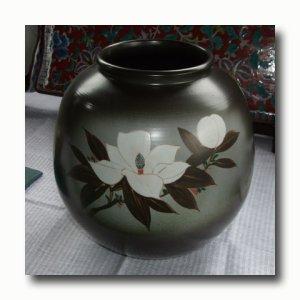 画像1: 九谷焼【山上義正】花瓶 灰釉泰山木(限定品・木箱入)